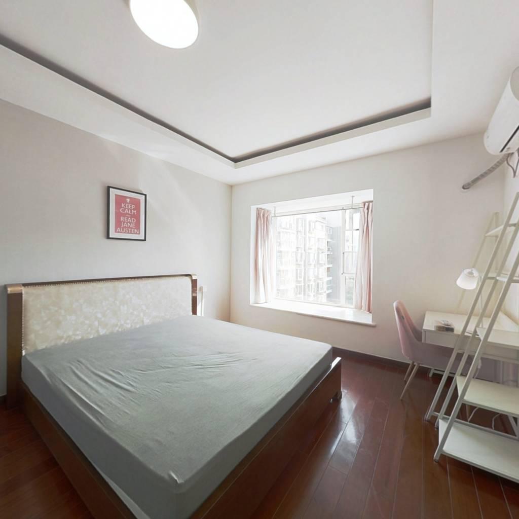 合租·蓝光诺丁山 4室1厅 西卧室图