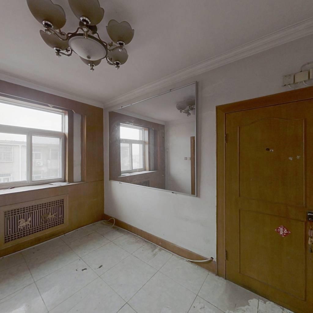 地铁线旁  两室小偏单  温馨舒适  好租好售 大产权