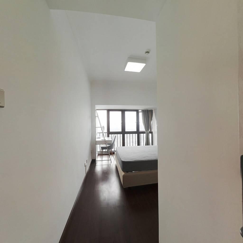 合租·星河银湖谷 5室1厅 西卧室图