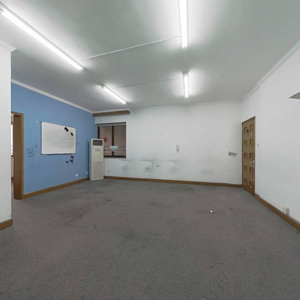 价格实惠,采光无遮挡 电梯房 装修 有小区环境