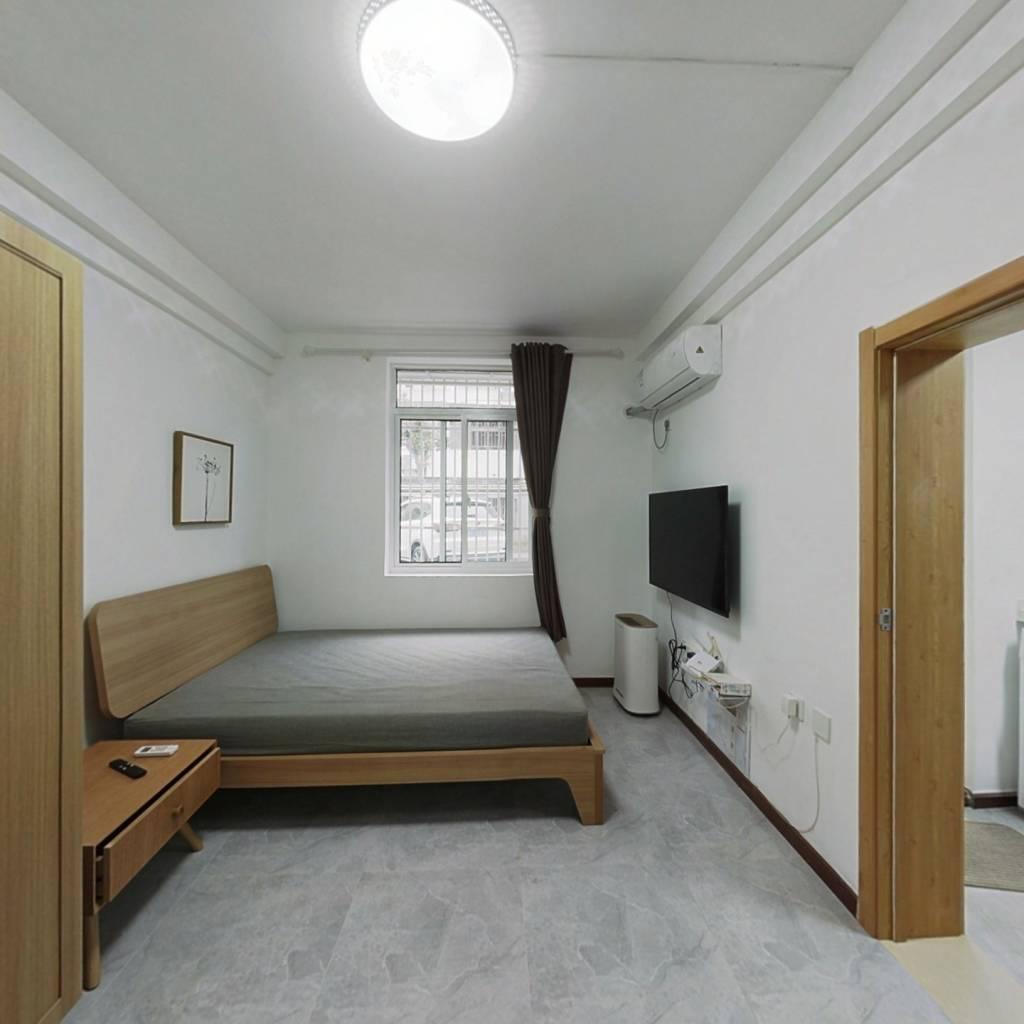 整租·控江二村107弄小区 1室1厅 北卧室图