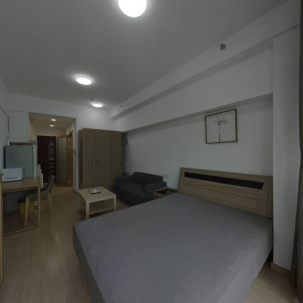 整租·龙湖北城天街 1室1厅 东卧室图