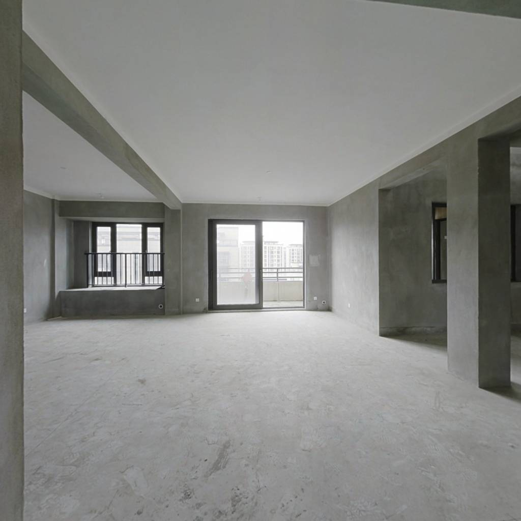 保利印江南三期 5室2厅 东南