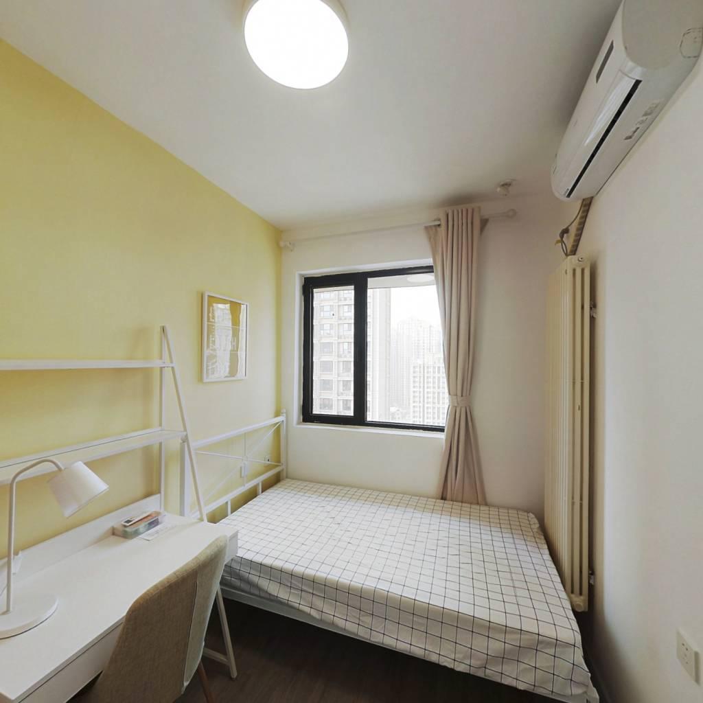 合租·富力又一城 5室1厅 南卧室图