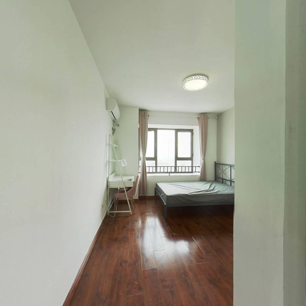 合租·社会山Bigparty 4室1厅 南卧室图