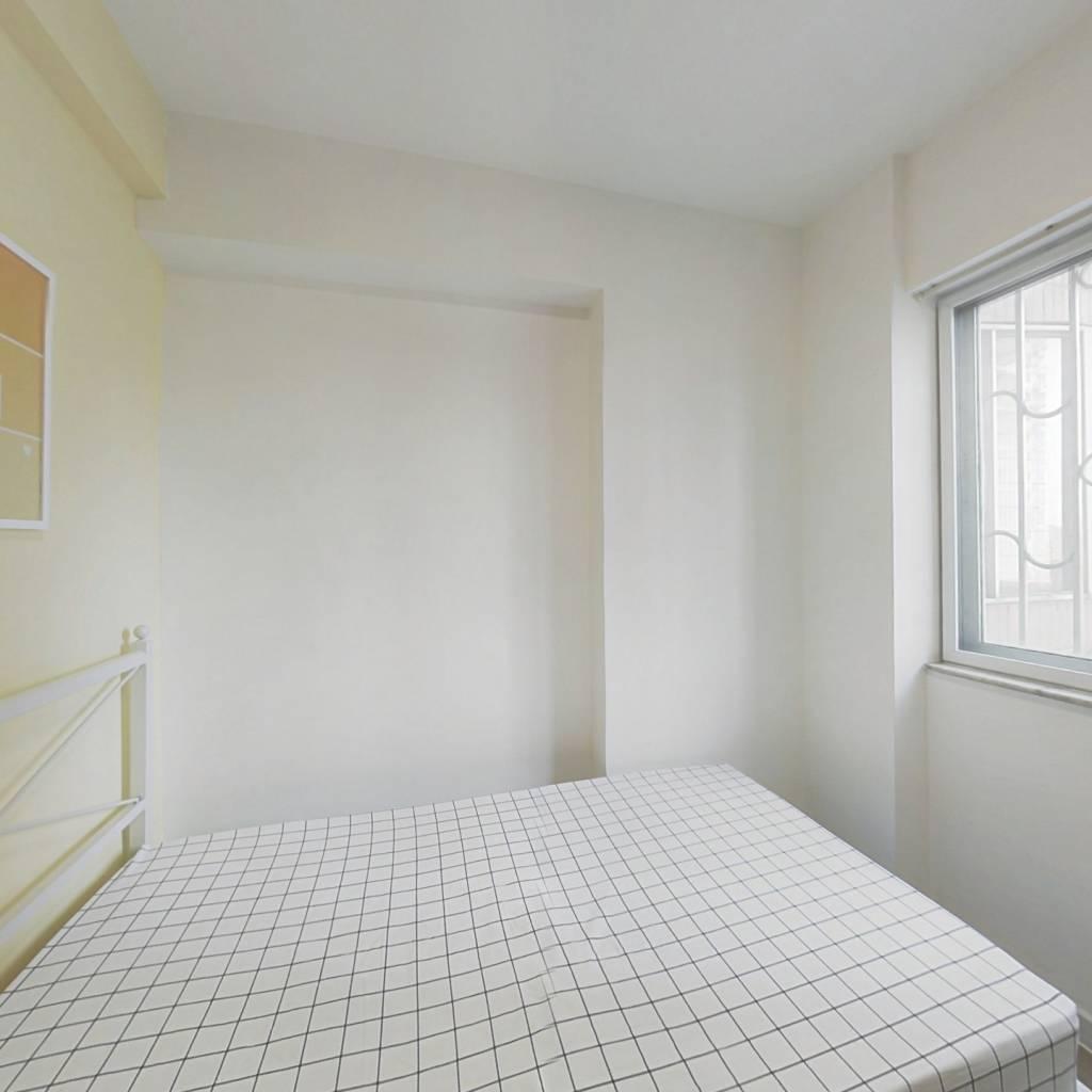 合租·太阳广场 4室1厅 西卧室图