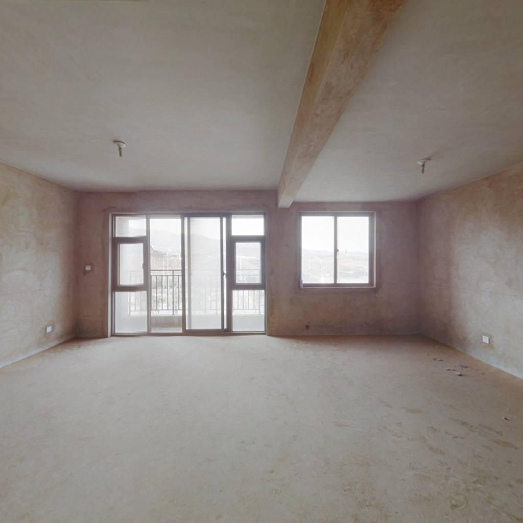 板式四居室跃层,宽敞明亮,诚心出售