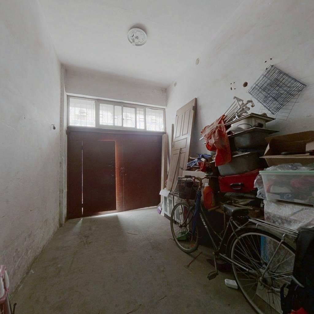 洪济路 5室2厅 南 北