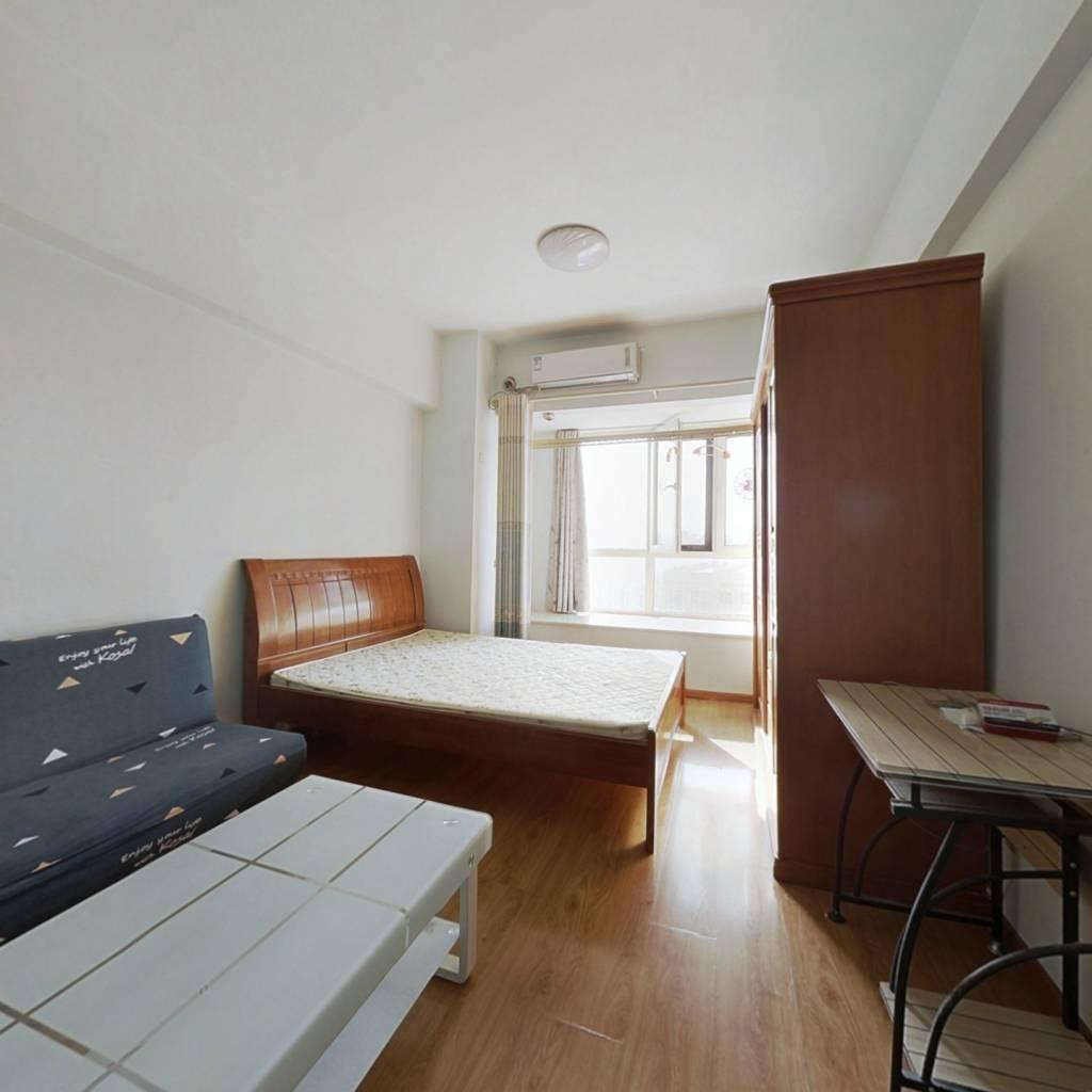 祥泰汇东国际 1室1厅 西