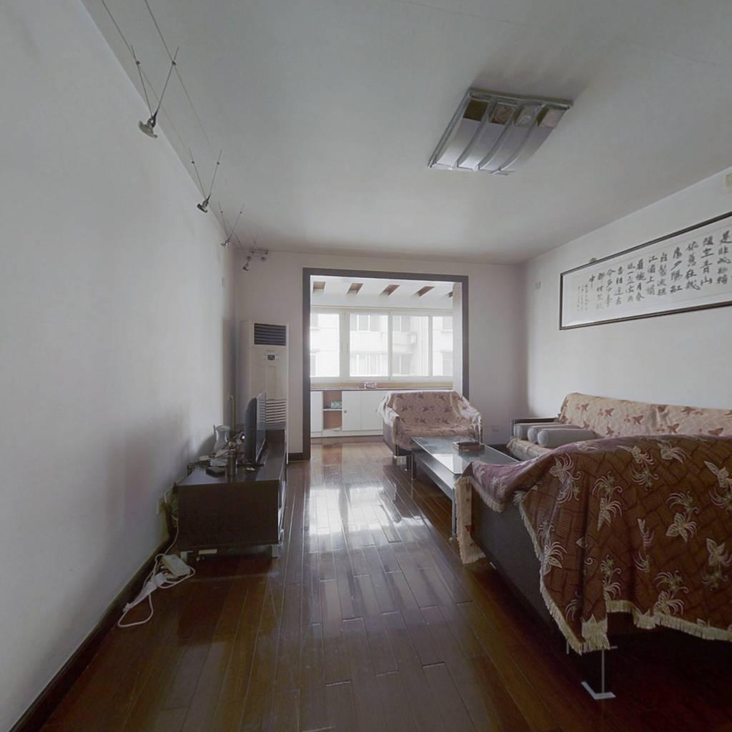 光电所单位房,精装套三,中间楼层 看房方便
