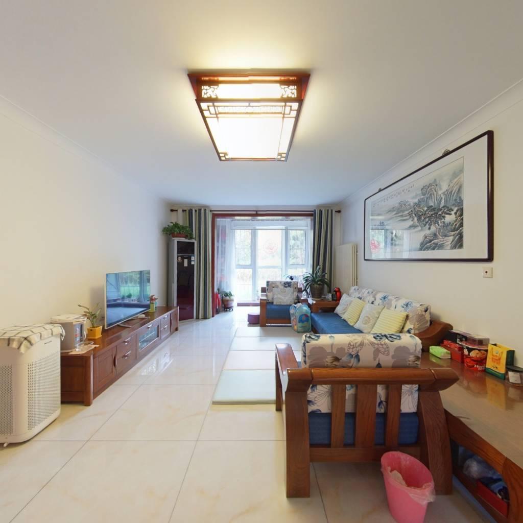 南北通透三居室 精装修小区环境好 业主诚心出售