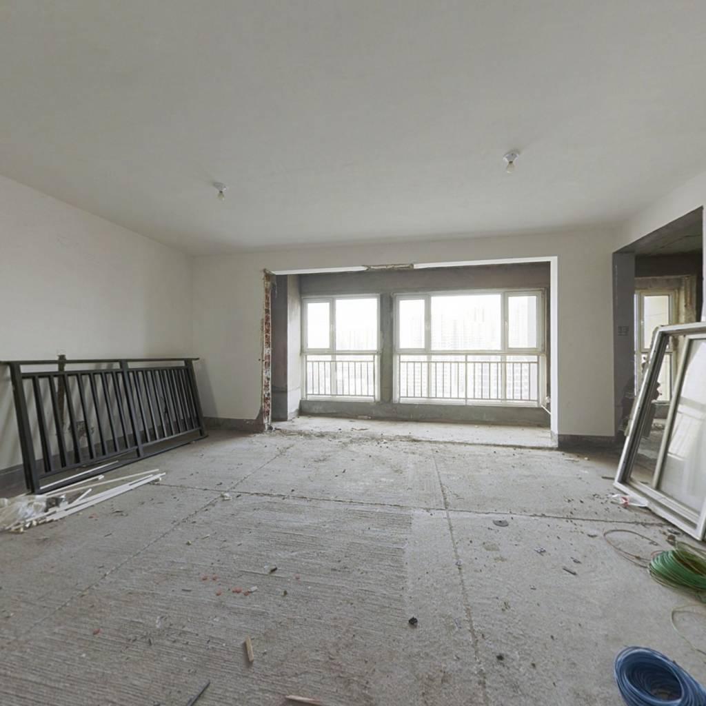北城新区  英伦名嘉  户型方正 标准三室  两室朝阳