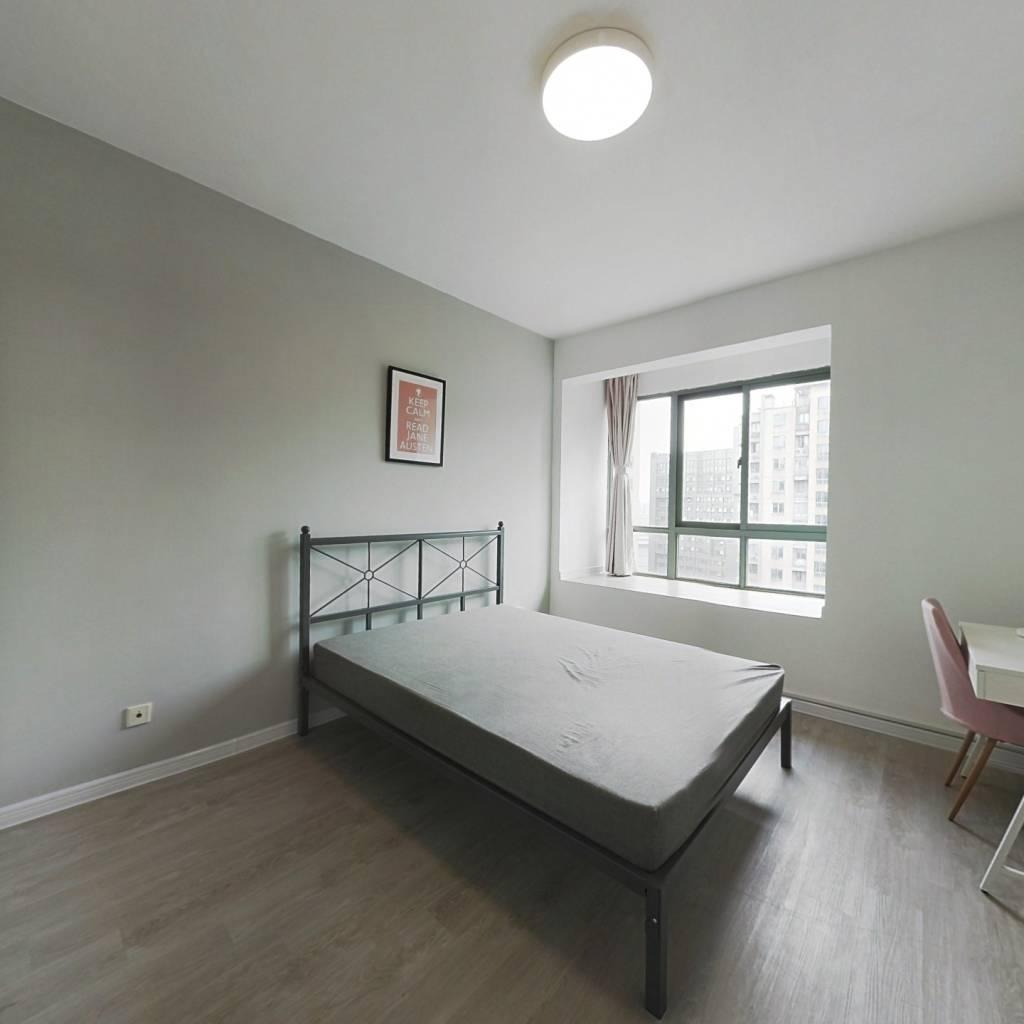 合租·红街公寓 3室1厅 南卧室图