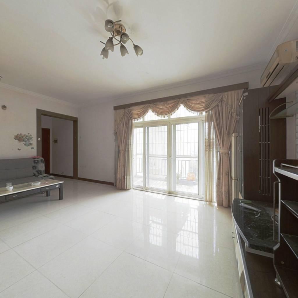 高楼层通风舒适采光好朝南户型,房子保养的很好