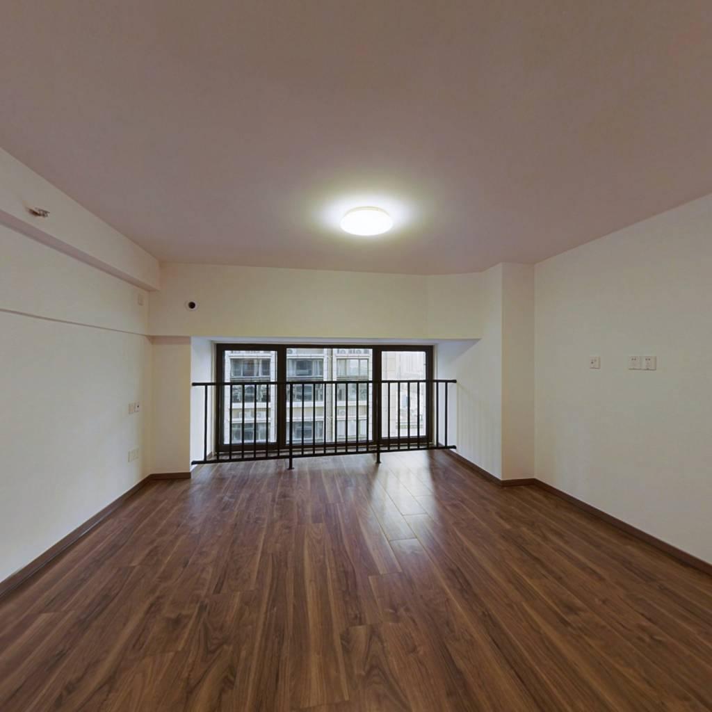 经开区地铁口精装复式双钥匙公寓  独立卫浴私密性好!