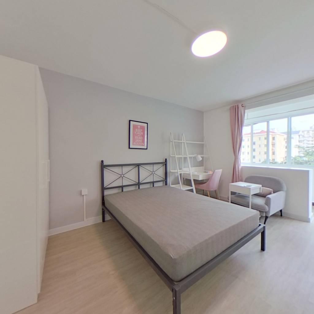 合租·龙南三四村 3室1厅 北卧室图