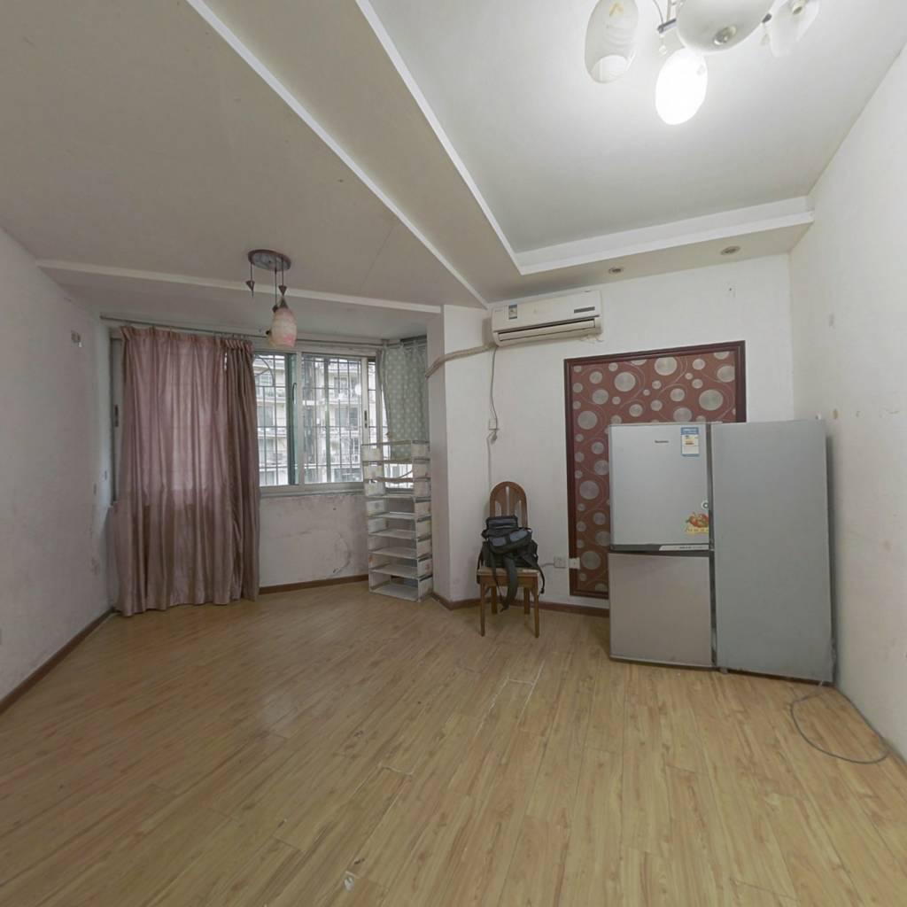 民生巷社区 5室1厅 南