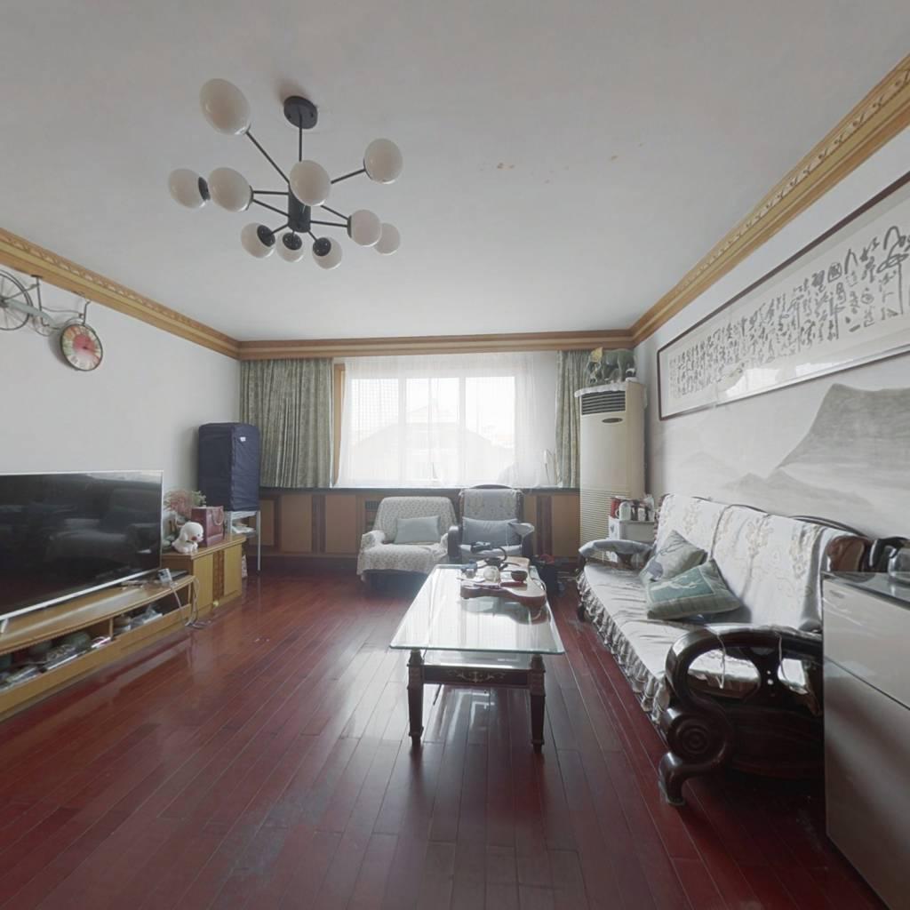 青岛山公寓 顶加阁 高利用率 可供多口家庭生活