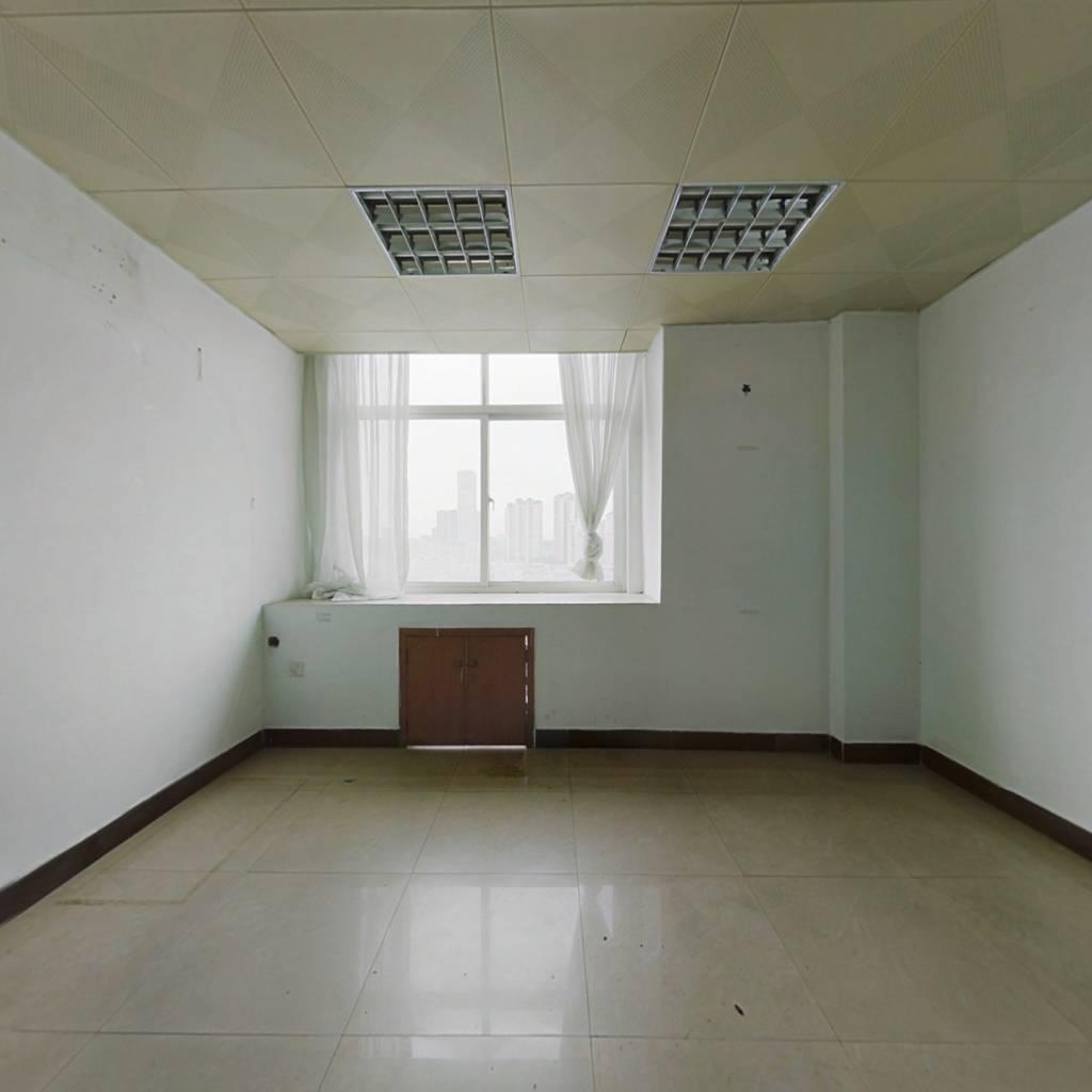 写字楼,可办公,高层视野好,诚心出售