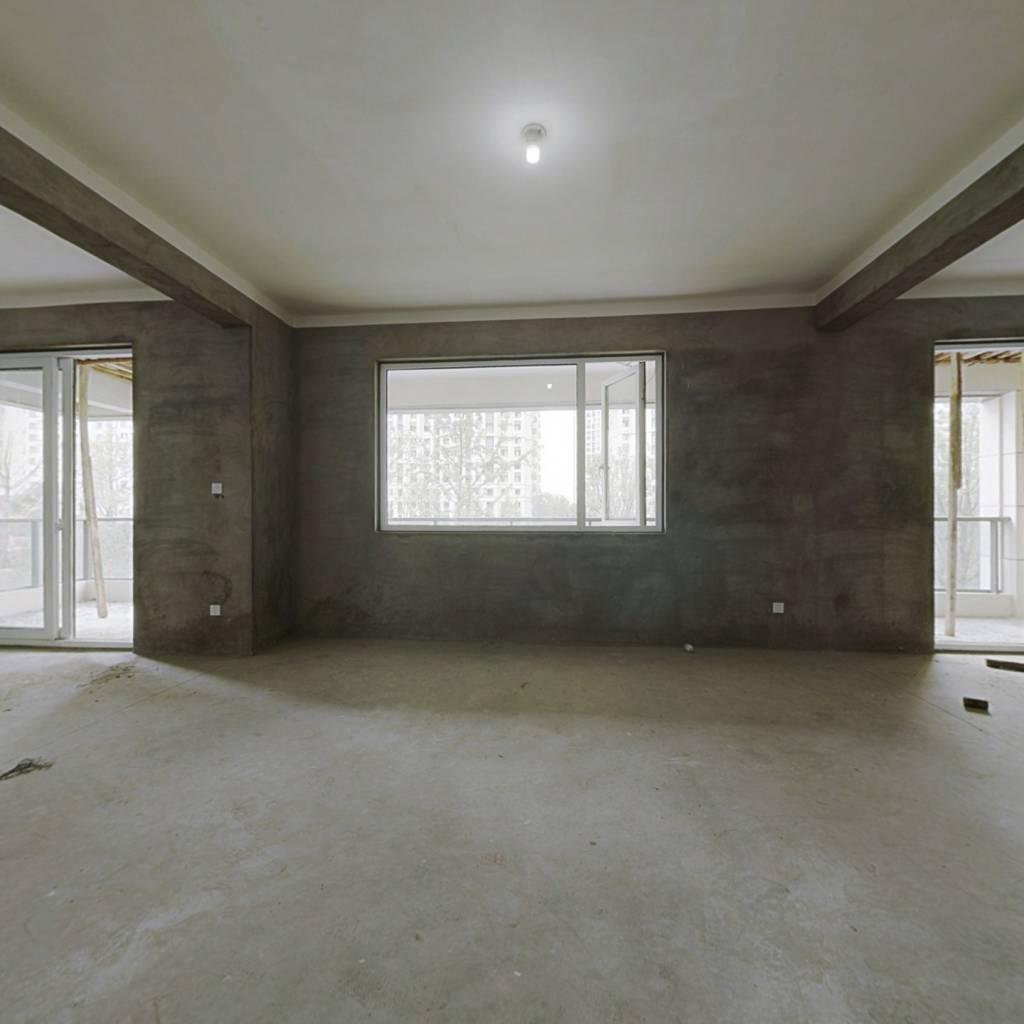 新中国际 5室2厅 南