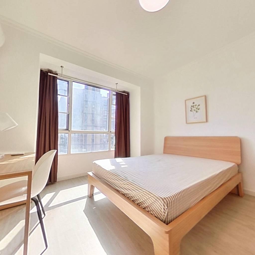 合租·米兰映象 4室1厅 南卧室图