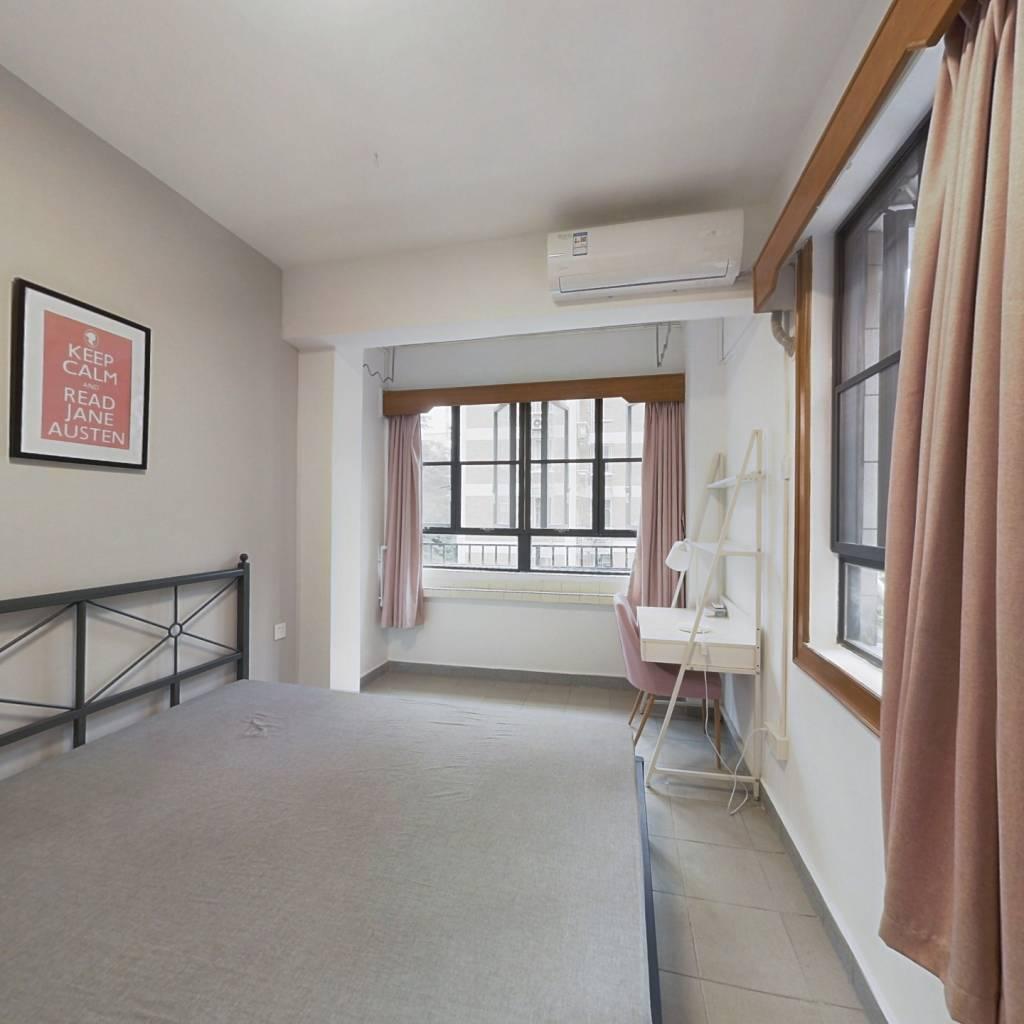 合租·六运小区 3室1厅 东卧室图