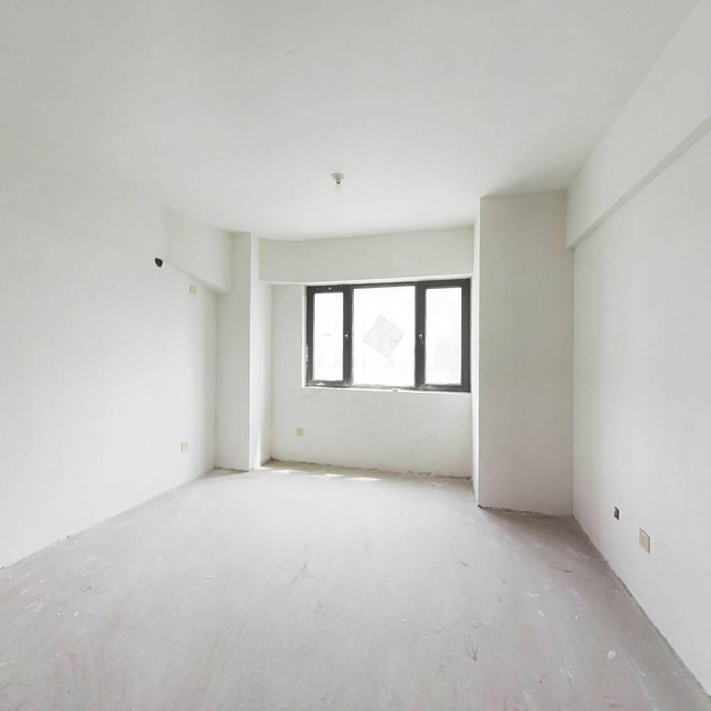 慢城宁海小区 南向一居室 中间楼层