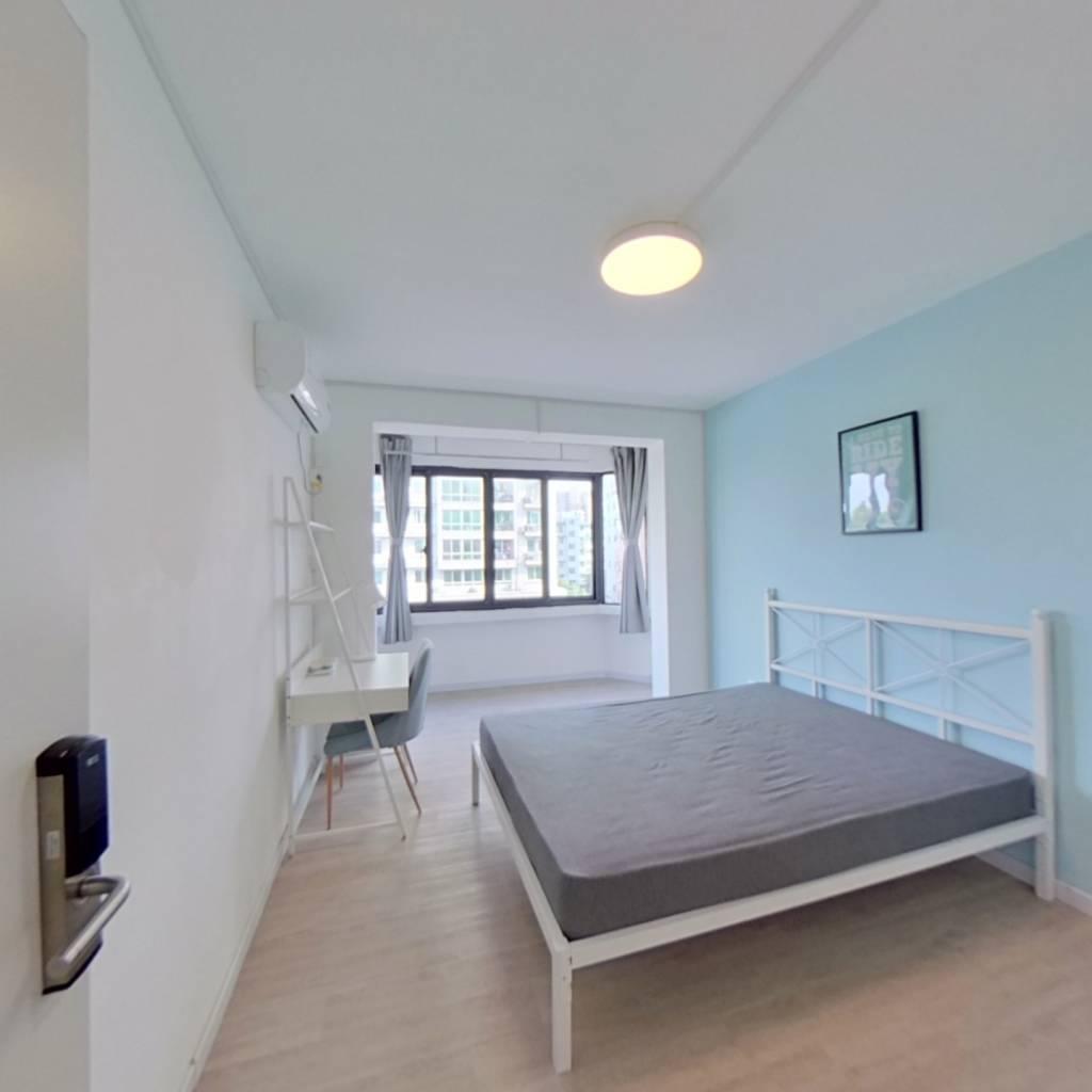 合租·稻香园北区 4室1厅 南卧室图