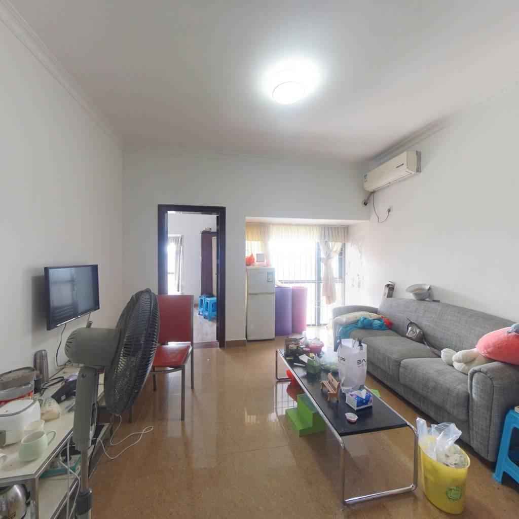 满两年,红本在手,公寓简装两房税费少,业主诚心出售
