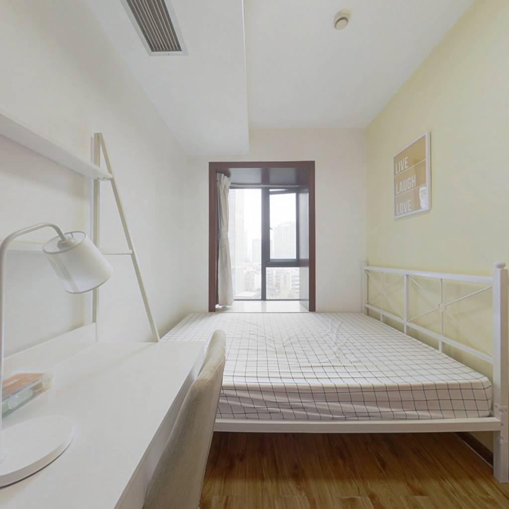 合租·摩玛城 4室1厅 东卧室图