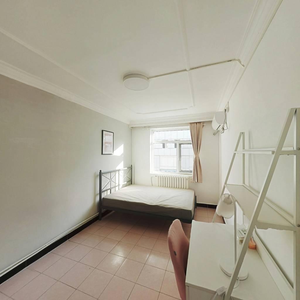 合租·长宁里 2室1厅 北卧室图