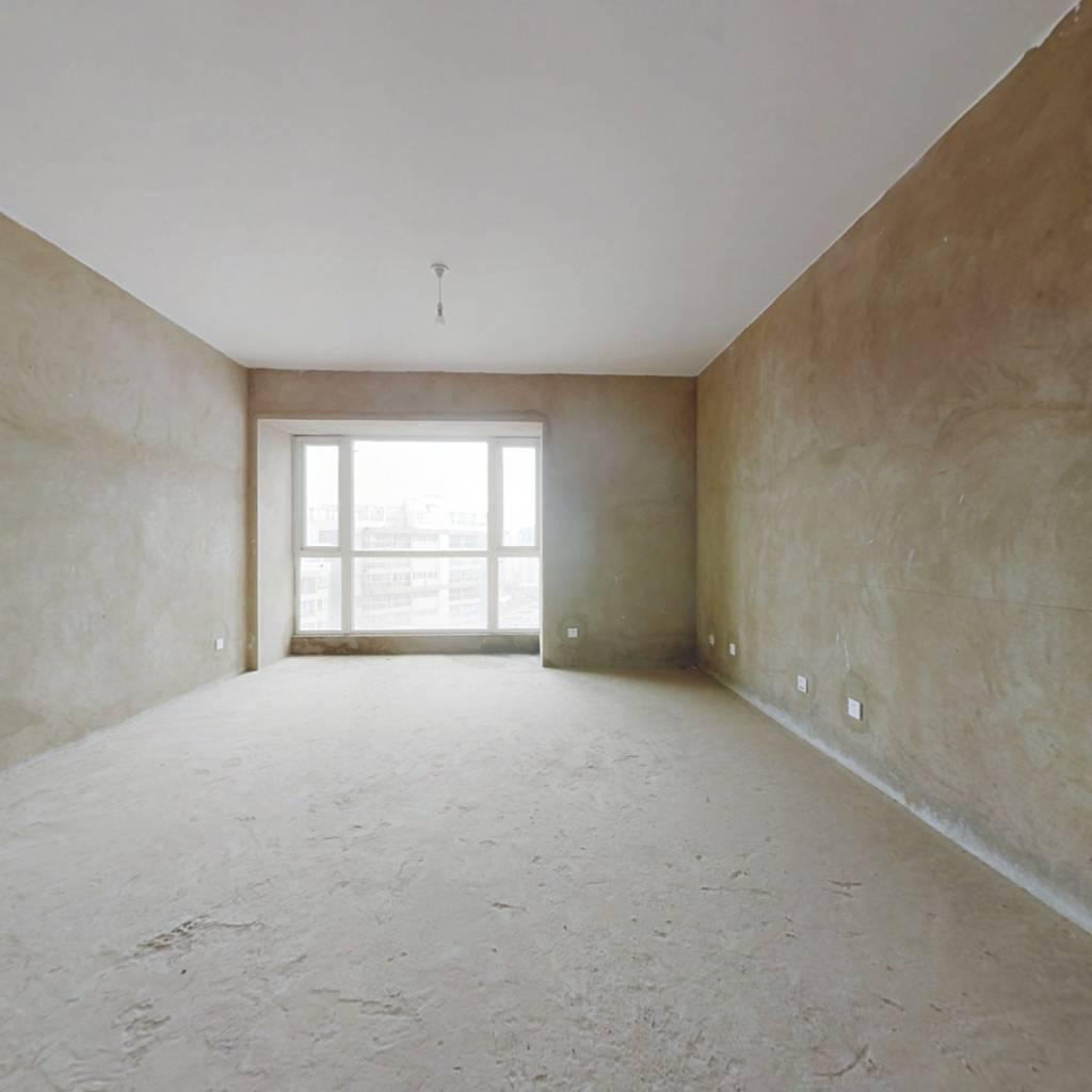 金江小区优质四房,业主诚意出售