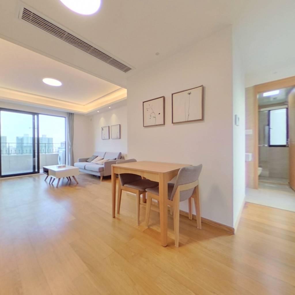 整租·绿地天呈 2室1厅 南卧室图