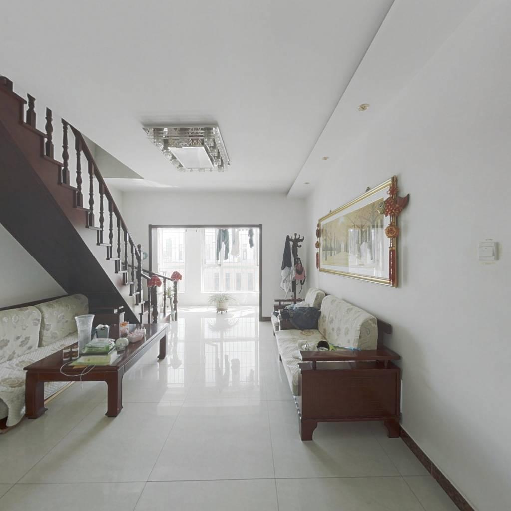 天津滨海新区  四楼带阁楼阁楼面积70平