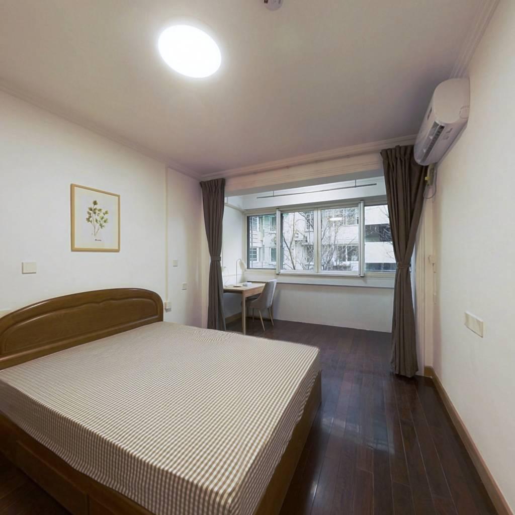 合租·永丰巷 4室1厅 西卧室图