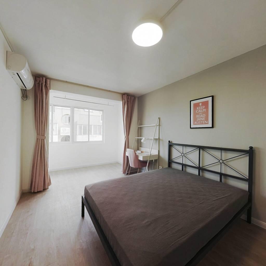 合租·银通公寓 4室1厅 南卧室图