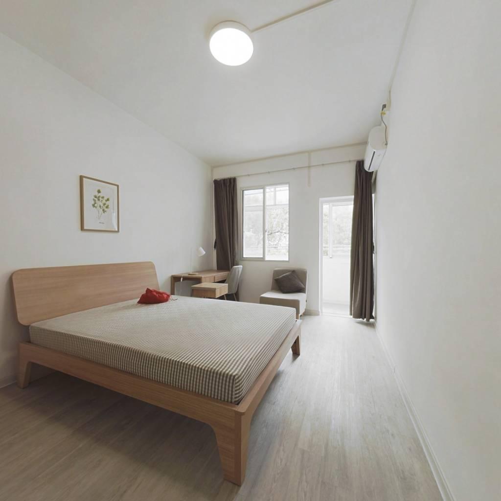 合租·大学路新村 3室1厅 南卧室图