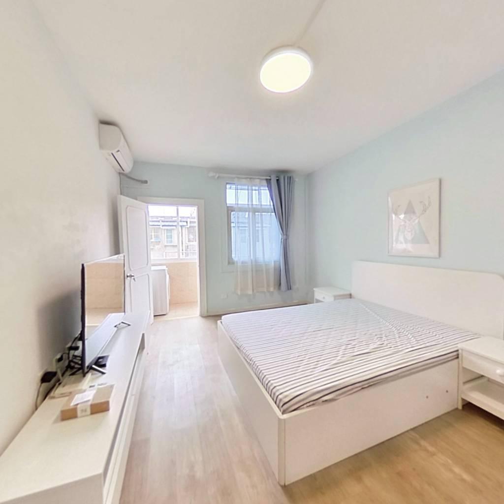 整租·热河南路 2室1厅 南卧室图
