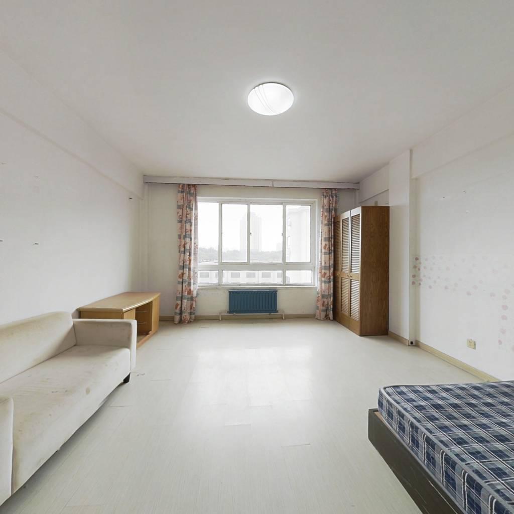 府佳名都中间楼层 小面积一室户型  视野采光好