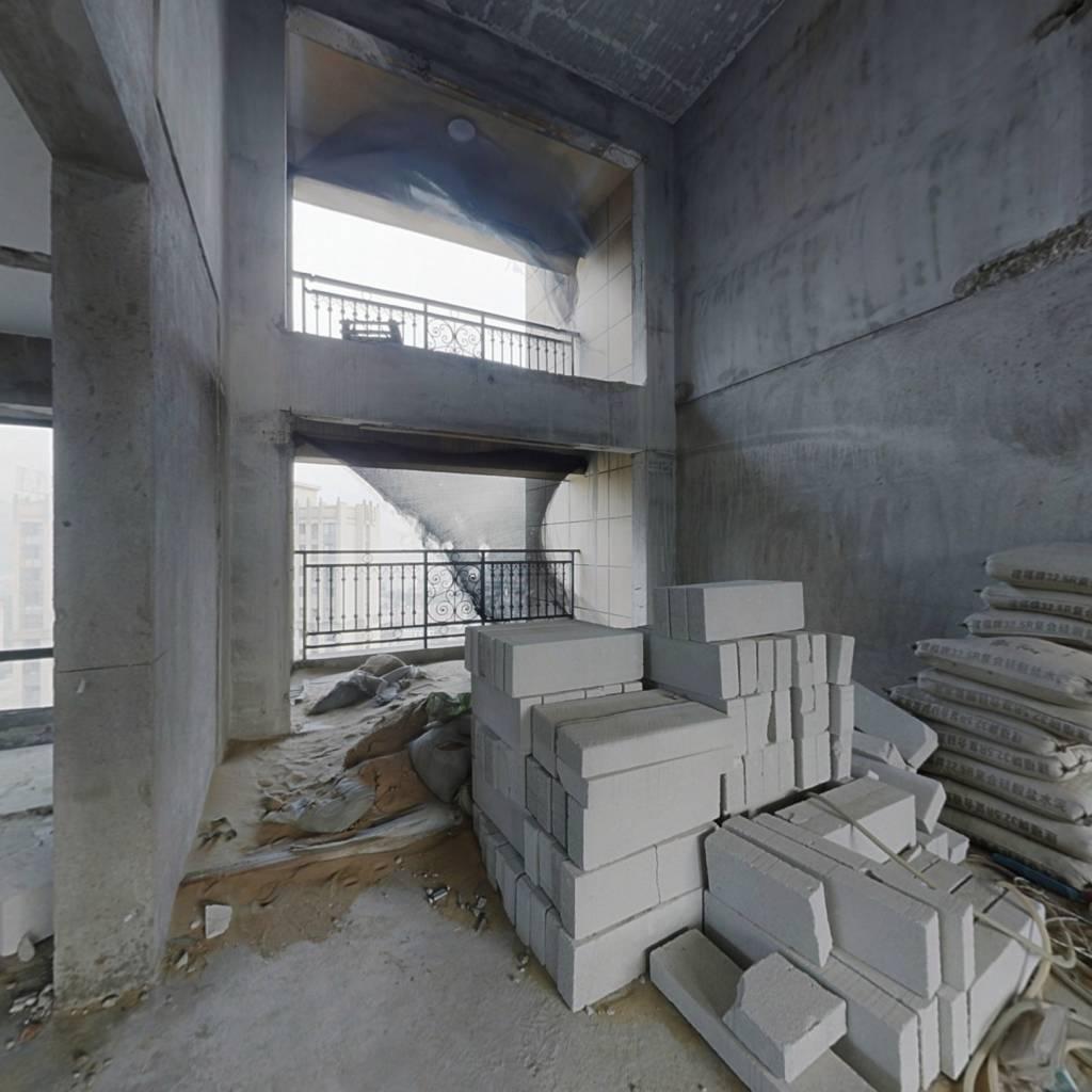东二环泰禾  香开新城   顶楼复式   超大露台