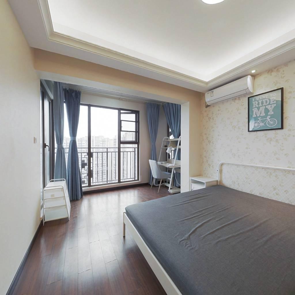 合租·龙湖九里晴川 4室1厅 东卧室图