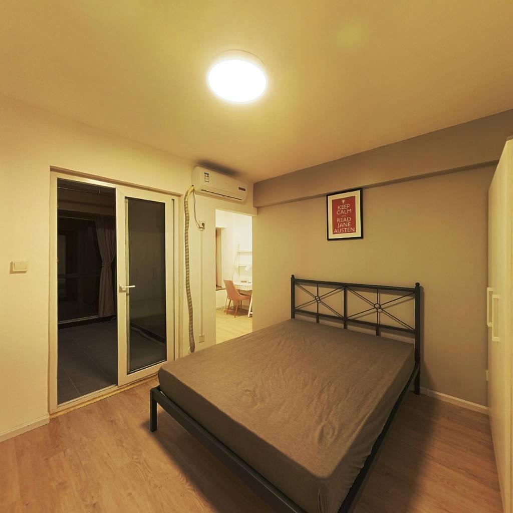 合租·美洲花园棕榈湾 3室1厅 东卧室图