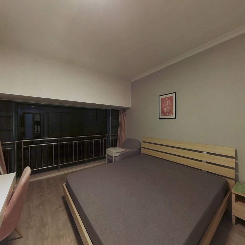 合租·云裳丽影 4室1厅 南卧室图