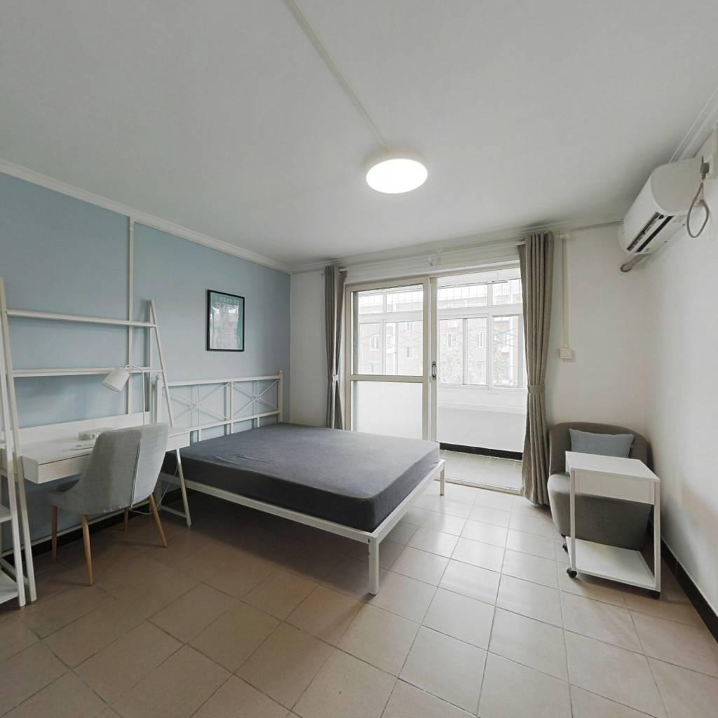 合租·南十里居 3室1厅 南卧室图