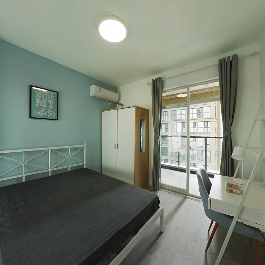 合租·明信鹭湾A区 4室1厅 南卧室图