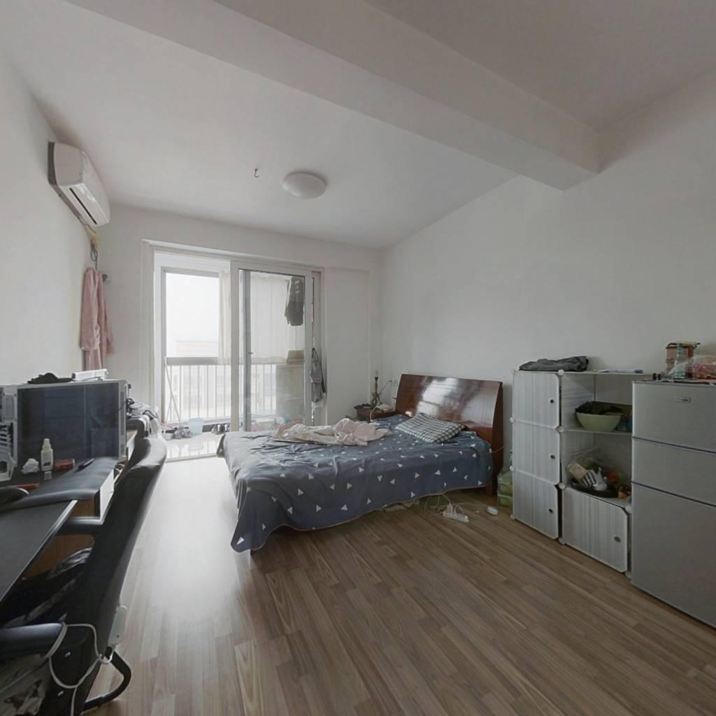 嘉汇公寓房 面积小 单价低  房东诚意出售