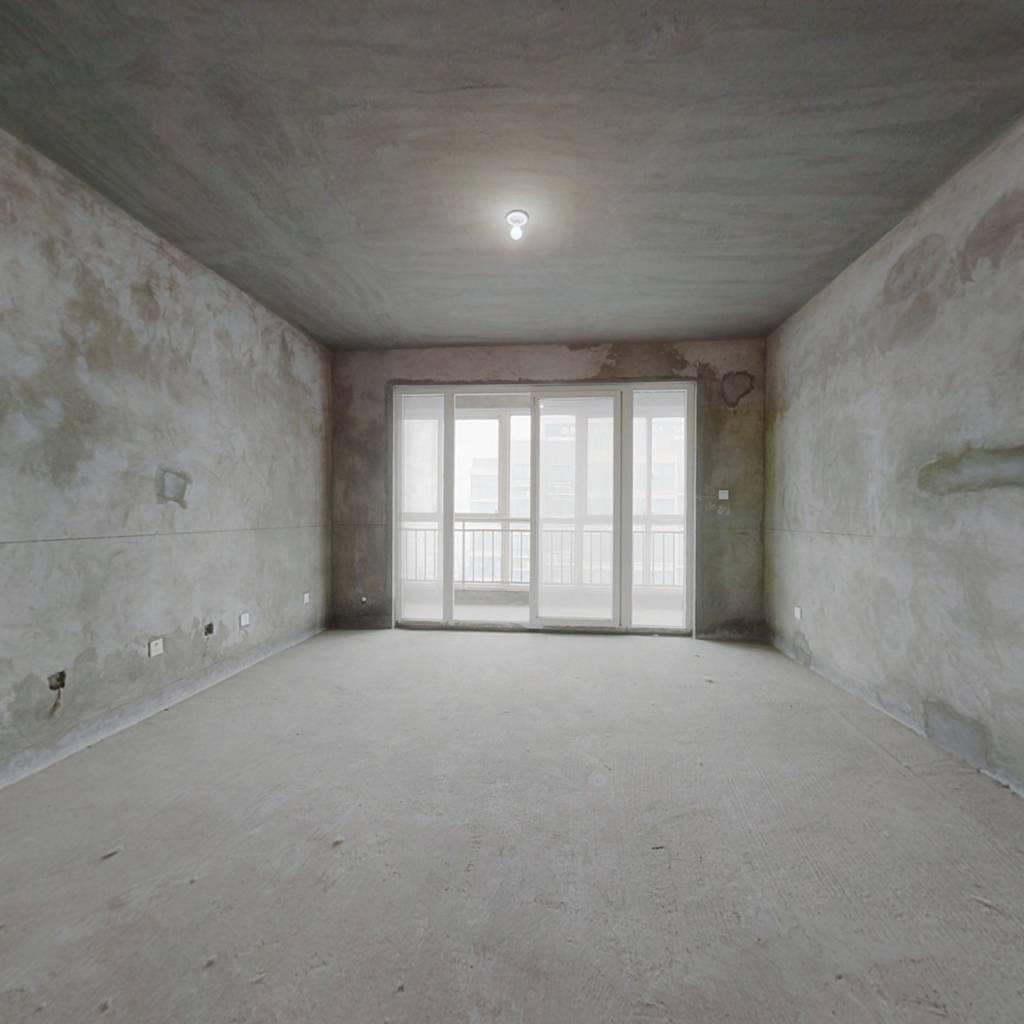翰林苑 毛坯三室 南北通透 户型好 有钥匙