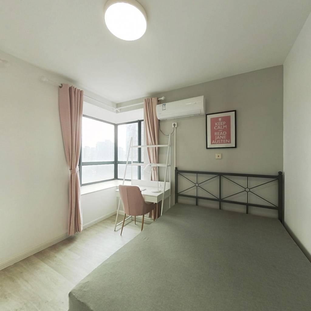 合租·馨佳园(菊泉街1969弄) 3室1厅 南卧室图