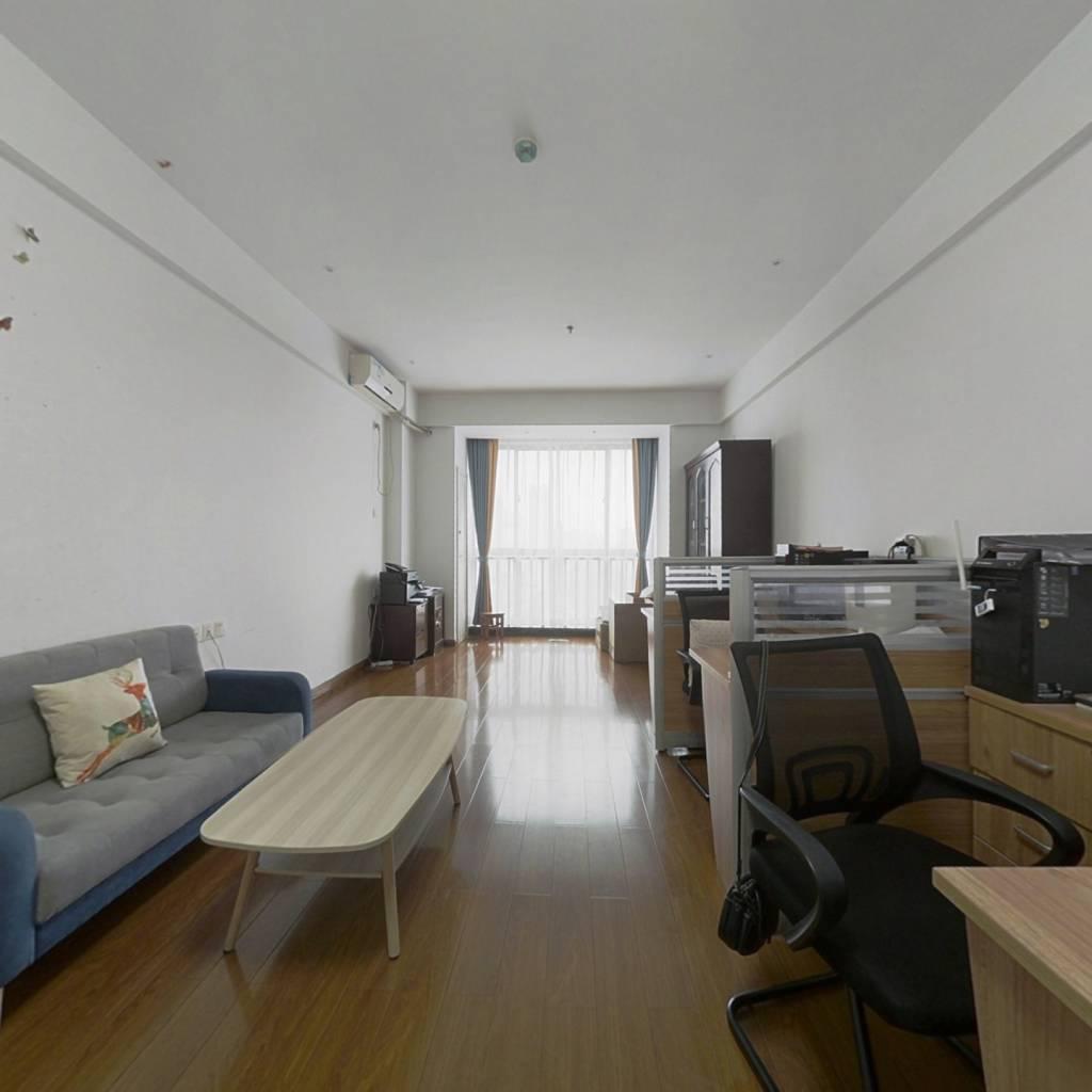 蠡湖国际公寓 1室1厅 南