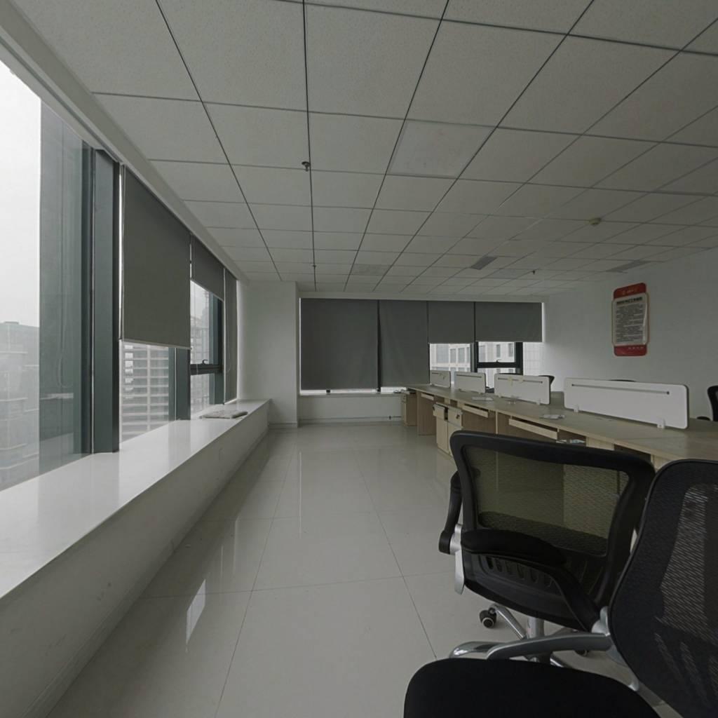 写字楼好楼层 整层出售也可部分出租  简装带空调